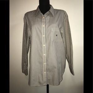 NWOT. RALPH LAUREN WOMENS BUTTON UP SHIRT